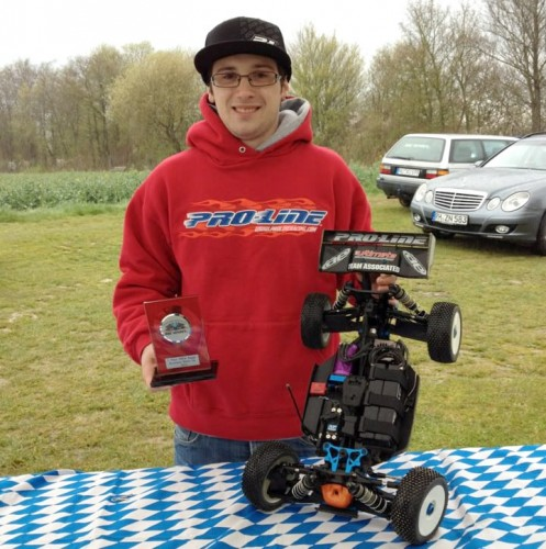 Patrick Hofer wins 1/8 Brushless German Championship's Warm-Up