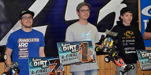 Patrick Hofer / Team Associated B44.3 takes second place @ Indoor Dirt Race Germany