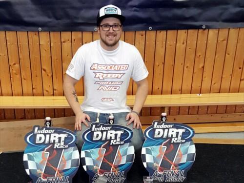 Triple win for Patrick Hofer / Associated @ Indoor Dirt Race 2015